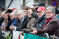 2016_Driedaagse De Panne-Koksijde_Stage3a, Belgian Fans, Depart, The Belgians looking and pointing, a national passtime.
