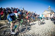 2016_Driedaagse De Panne-Koksijde_Stage1, 2016_Driedaagse De Panne-Koksijde_Stage1_DeMuur, LieuweWESTRA(NED-AST), RickZABEL(GER-BMC) LukeDURBRIDGE(AUS-OGE) in 3rd position over De Muur, 1st asscent.