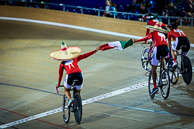 2016_WorldCyclingLeague_LA_2ndSession_MexicoHeat entertain the fans